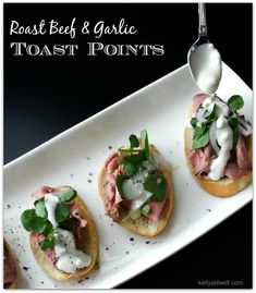 This recipe for Roast Beef and Garlic Toast Points is the perfect appetizer. When you have to bring food to a party, don't rush to pick up a platter when you can DIY a beautiful and delicious starter. #NaturallyFresh