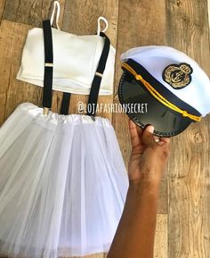 Pin on Carnaval Creative College Halloween Costumes, Cute Group Halloween Costumes, Halloween Kostüm, Halloween Outfits, Cool Costumes, Sailor Costumes, Lilo Costume, La Girl, Halloween Disfraces