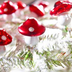 Suspensions champignon - lot de 12 - A découvrir sur le site de vente Blancheporte