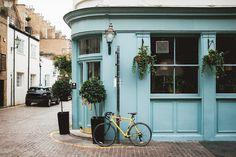 Todos os tamanhos   Yellow Bike. Blue Pub.   Flickr – Compartilhamento de fotos!
