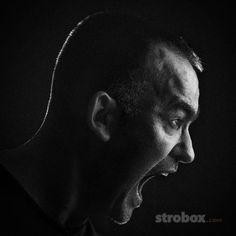 Headshot photo and lighting setup with Strobe and Bounce Umbrella by Nikola Milosavljevic on strobox.com
