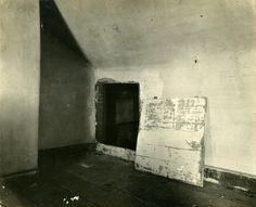 Union spy Elizabeth Van Lew hid escaped prisoners in this secret room in her Richmond mansion.