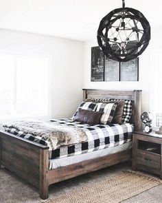 39 Beautiful Modern Farmhouse Bedroom Ideas For Master Suite - Bedroom furniture designs can really add a cozy element to your space. Even if you live in an apartment or condo you can get the feeling of an old far. Modern Farmhouse Bedroom, Farmhouse Master Bedroom, Cozy Bedroom, Home Decor Bedroom, Modern Bedroom, Bedroom Ideas, Farmhouse Ideas, Rustic Boys Bedrooms, Bedroom Wall