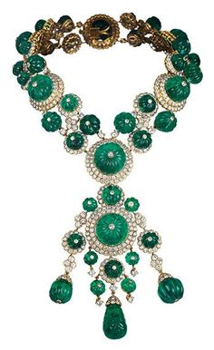 Aga Khan choker 1971 Courtesy of Van Cleef & Arpels Bowers Museum