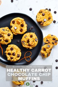 These vegan and gluten-free Healthy Carrot Chocolate Chip Muffins are a sweet and healthy breakfast treat.  The sweet chocolate chips and carrot shreds come together for a delicious muffin treat, yet healthy enough for your breakfast! Ana Ankeny - Healthy Recipes Chocolate Banana Bread, Chocolate Chip Muffins, Chocolate Chips, Blueberry Oatmeal Bars, Lemon Blueberry Muffins, Best Gluten Free Recipes, Whole Food Recipes, Healthy Recipes, Healthy Snacks