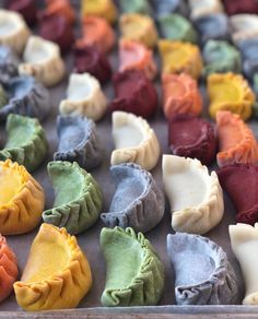 This Rainbow Dumplings recipe is featured in the Dumplings, Egg Rolls, Spring Rolls + More feed along with many more. Dumpling Dough, Dumpling Recipe, Dumplings, Orange Recipes, Asian Recipes, Pasta Casera, Steamed Buns, Quick Easy Meals, Food Photography