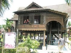 Contoh Rumah Kutai dari laman artmelayu.blogspot.com