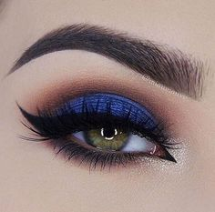 royal blue smoky eye.