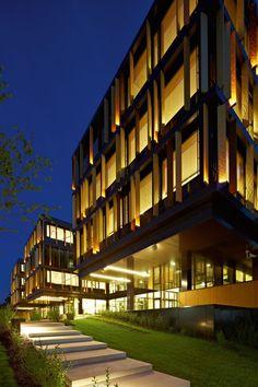 51ef2c03e8e44e94e50000b7_lalux-assurances-headquarters-jim-clemes-atelier-d-architecture-et-de-design_lalux_mg_1994hf.jpg 1,280×1,920 pixels
