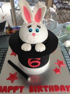 Eners magic show cake Cake Amazing cakes and Birthday cakes