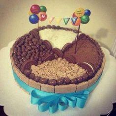 decoracion de tortas con golosinas infantiles Torta Angel, Candy Cakes, Ideas Para Fiestas, Cake Tutorial, Cute Cakes, Celebration Cakes, Chocolate Cake, Tiramisu, Cake Decorating