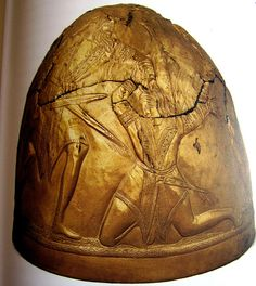 Gold helmet from the Perederijewa tomb, 4th century BC, Ukrainian Museum of Historical Treasures, Kiev ./tcc/
