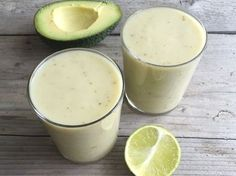 Energie smoothie met avocado en bleekselderij