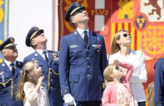 Los Príncipes de Asturias se llevan a sus hijas al trabajo