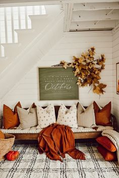 Cozy Fall Nook Under The Stairs - My best home decor list Home Design, Interior Design, Decoration Inspiration, Autumn Inspiration, Deco Boheme Chic, Fall Home Decor, Fall Door Decorations For Home, Wedding Fireplace Decorations, Wedding Mantle