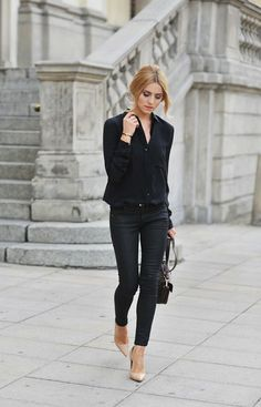 Style Inspiration: Simply Chic all black outfit: black blouse shirt with black trouser pants, black purse paired with beige shoes Fashion Mode, Work Fashion, Womens Fashion, Style Fashion, Fashion Outfits, Fashion Black, Color Fashion, Latest Fashion, Net Fashion