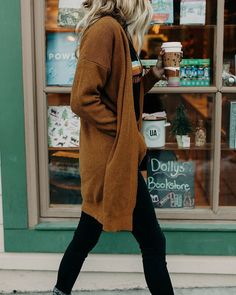Fall Outfits Edgy Casual Outfits - Winter Outfits for Work Winter Cardigan Outfit, Cardigan Outfits, Casual Outfits, Work Outfits, Long Cardigan, Black Jeans Outfit Winter, Black Booties Outfit, New Year Outfit Casual, Hipster Fall Outfits