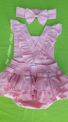 Frocks For Girls, Dresses Kids Girl, Little Girl Outfits, Kids Outfits, Spanish Baby Clothes, Kids Dress Wear, Baby Girl Dress Patterns, Baby Frocks Designs, Mode Hijab