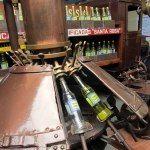 Antigua máquina llenadora.  Antique filling machine.  Photo credit, placeOK