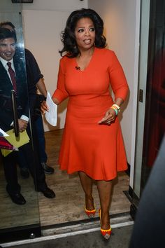 Shape and structure Oprah Winfrey Style Evolution: The Media Titan Gets Better Each Year (PHOTOS) Oprah Winfrey, Look Fashion, Girl Fashion, Fashion Dresses, Dark Autumn, Celebrity Dresses, Celebrity Style, Plus Size Dresses, Plus Size Outfits
