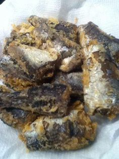 Deep Fried Sardines Recipe by Tʻs All Kine Ono Grinds https://www.facebook.com/TsAllKineOnoGrinds2 2-3 cans sardines, drained 1 cup flour 2 tsp salt 1/2 tsp black pepper Oil for frying Sauce is simple 1/2 cup soy sauce 1/4 cup white vinegar 1/2 tsp chili pepper water