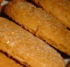 Μπισκότα κανέλας! Greek Sweets, Greek Desserts, Greek Recipes, Sweets Recipes, Cookie Recipes, The Kitchen Food Network, Pie Cake, Biscuit Cookies, Hot Dog Buns