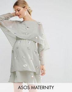 Vestido a media pierna a capas con adornos y top corto con diseño 3D de ASOS Maternity