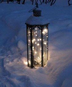 Lanterna nella neve