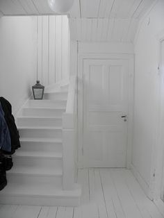 all white entrance. White Washed Floors, Stairs To Heaven, Small Staircase, Flooring For Stairs, Doors And Floors, Painted Stairs, Swedish House, Interior Stairs, Door Makeover