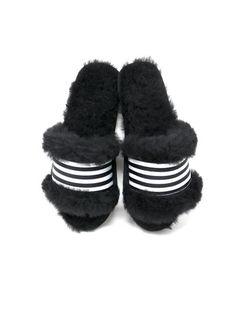5ff8e675d58 EMU Australia. EMU Wrenlette Slide Slipper in Black Sheepskin. burnt sugar