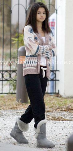 0913d6663ce Wearing sweatpants like a pro.  lt 3 Selena Gomez Style