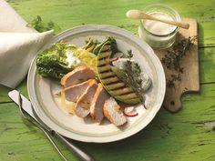 Romanasalat mit marinierten Putensteaks und Melone