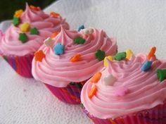 DIY Cupcake Bath Bombs and More: Good Enough to Eat Bath Goodieshttp://www.intimateweddings.com/blog/diy-cupcake-bath-bombs-and-more-good-enough-to-eat-bath-goodies/
