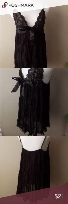VICTORIA'S SECRET Lingerie Slip  black Size Large VICTORIA'S SECRET Lingerie VS Slip Slick Black Lace Babydoll Size Large Victoria's Secret Intimates & Sleepwear Chemises & Slips