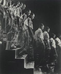 Marcel Duchamp descendant l'escalier  |  Elio Elisofon, 1954, coll. privée.