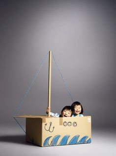 Sailboat : Cardboard upcycle and recycle craft. DIY kids crafts and activities. This will definitely spark their imagination. Projects For Kids, Diy For Kids, Crafts For Kids, Ideias Diy, Cardboard Crafts, Cardboard City, Cardboard Boxes, Pirate Party, Creative Kids