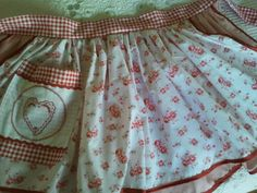 Apron, Facebook, Fashion, Mariana, Bathroom Sets, Aprons, Blue Prints, Moda, Fashion Styles