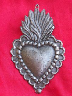 Tin/Silver Sacred Heart with Wavy Flames Milagro Ex Voto