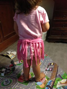 Refashioned Hula Skirt from t-shirt, No Sew