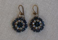 Beading tutorial - Beaded earrings made with Swarovski 8mm chatons and 3mm bicones and Miyuki seed beads. #beadingtutorial #beadedearrings #earringstutorial