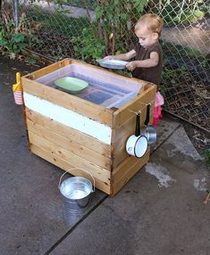 DIY Outdoor Kitchen (Sand/Water Table)