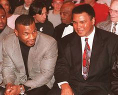 "TIL that the morning after Muhammad Ali lost in a fight against Larry Holmes a 14 year old Mike Tyson promised him that when he ""got big"" he would take down Larry Holmes for him. 6 years later Tyson fought against Larry Holmes and won. Larry Holmes, Muhammad Ali Quotes, Heavyweight Boxing, Boxing History, Boxing Champions, Mike Tyson, Black Pride, Sports Figures, Boxing News"