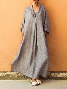 A selection of fall&winter outfits to try this only outfit selection you need,you can find here.Plus Size Casual V-neck Long Sleeve Solid Color Loose Maxi Dress For Women. Mode Abaya, Vestidos Vintage, Linen Dresses, Maxi Dresses, Casual Dresses, Cotton Dresses, Loose Dresses, Summer Dresses, Casual Outfits
