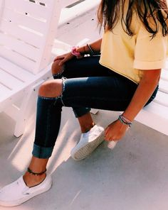P I N T E R E S T: @ alexandra_lovee Sommer Mode Ideen Teenager Outfits alexandralovee Ideen Mode Sommer Cute Outfits For School, Cute Comfy Outfits, Cute Summer Outfits, Simple Outfits, Fall Outfits, Amazing Outfits, Spring School Outfits, Really Cute Outfits, Jeans Outfit Summer