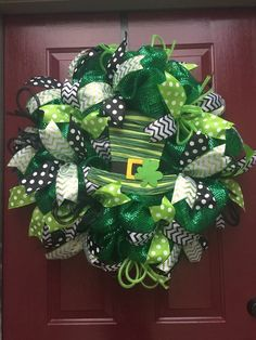 60 Dollar Store St Patrick's Day Decor Ideas that won't need a Pot of Gold to Pu. 60 Dollar Store St Patrick's Day Decor Ideas that won't need a Pot of Gold to Put Together - Ethinify Patrick's Day wreathLaw Enforcement Wreath . Wreath Crafts, Diy Wreath, Wreath Ideas, Tulle Wreath, Diy Crafts, Sant Patrick, Holiday Wreaths, Holiday Decor, St. Patricks Day