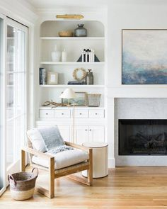 Living Room Decoration Ideas For The Black And White Lovers – Home Decor Pulse Living Room White, White Rooms, Home Living Room, Living Room Designs, Living Room Decor, Small Living, Bedroom Decor, Built In Shelves Living Room, Cool Chairs
