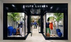 Sharp urban attitude in the newly-opened Shanghai L'Avenue store windows in China Ralph Lauren Store, Clothing Store Design, Store Window Displays, Wine Display, Luxury Store, Store Windows, Window Dressings, Store Fronts, Retail Design