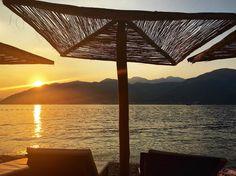 Well miss the mountains but hell love this spot  _____________________________________________ #summer #vacation #beach #sun #sea #chillin #sunshade #deckchair #tivat #montenegro #sunset #thinkingabout #a