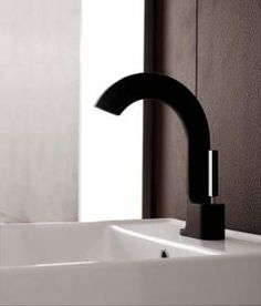 Aquabrass Cut Single Hole Lavatory Faucet