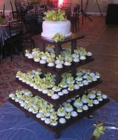 Rustic Wedding Cupcake Decorating Ideas   Cupcake stand!